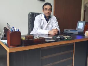 دکتر حسین لطفی